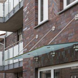 Vordach und Balkone