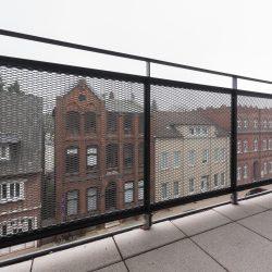 Außentreppe, Loggiageländer, Absturzsicherung, Gittertrennwand