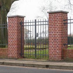 Zaun und Tor